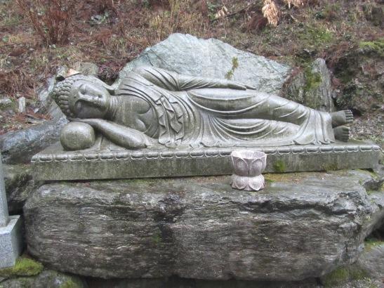 Figure6_StoneStatueOnWayToTemple12